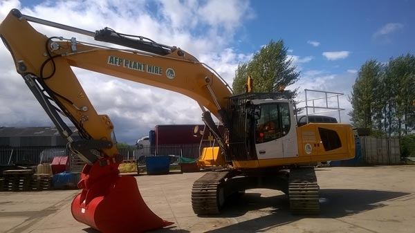 Liebherr R946 Excavator for hire from AFP Plant Hire Glasgow